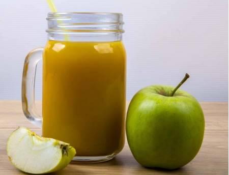 Składniki na sok jabłkowo-cytrynowy z jarmużem